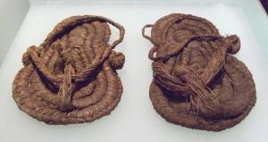Sandalias del Neolítico de Albuñol (M.A.N. Inv. 595 y 596) 01